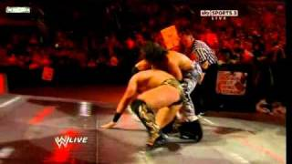 getlinkyoutube.com-The Miz vs John Morrison - WWE Championship - Falls Count Anywhere Match pt1