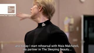 マライン ラドマーカー「眠れる森の美女」のリハーサルと舞台裏の画像