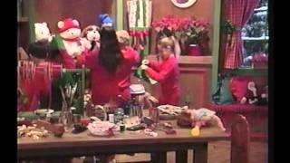 getlinkyoutube.com-Barney y sus Amigos Waiting for Santa (Spanish)