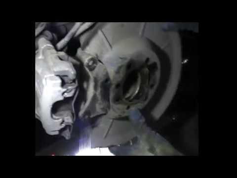 Где находится в Mazda Verisa подшипник передней ступицы