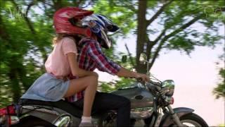 getlinkyoutube.com-violetta y leon en la moto