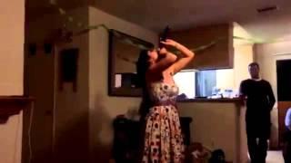 getlinkyoutube.com-Mujer con garganta profunda