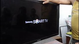 getlinkyoutube.com-TV Samsung UN40D5500 ligando e desligando sozinha. Como consertar!