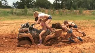 getlinkyoutube.com-Car Stuck Girls Teaser Compilation - Offroad 4x4