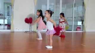 getlinkyoutube.com-Russian girl in Thai Ballet / สาวรัสเซียในบัลเล่ต์ไทย