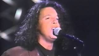 getlinkyoutube.com-Tears For Fears - Sowing The Seeds Of Love (Live on Arsenio Hall, 1989)