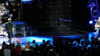 """getlinkyoutube.com-Van Halen at Jones Beach NY 8/15/15 """"Everybody Wants Some"""" """"Drop Dead Legs"""" """"Feel Your Love"""""""