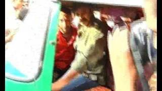getlinkyoutube.com-Pawan Kalyan Driving Auto - Car Glass Broken