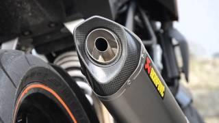 getlinkyoutube.com-KTM 125 Duke - Akrapovic vs. standard exhaust - HD