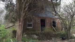 getlinkyoutube.com-Old Abandoned House In The woods! Urban Exploring The Forgotten Hanover Home