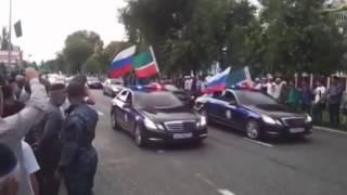 getlinkyoutube.com-Путин в гостях у Кадырова! Самый крутой кортеж в России!