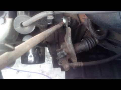 Не включаются передачи (на заведенном двигателе). Daewoo Sens, Lanos, Chevrolet Нет сцепления.