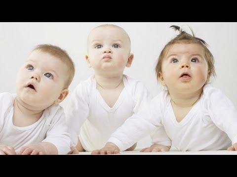 Zwillinge: Schwangerschaft, spontane Geburt und die ersten Wochen (urbia.tv)