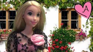 getlinkyoutube.com-El zapatero y los duendes - Cuentos en español para niños y niñas con muñecas Barbie y juguetes