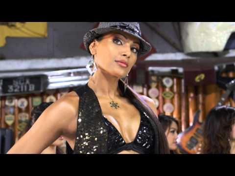Actress Bipasha Basu hot unseen photo gallery at Cafebharat