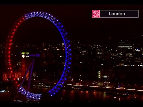 World lights up for Paris