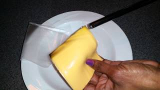 Video: cheese burning as if it was plastic