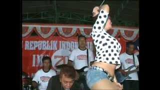 "getlinkyoutube.com-Lia Capucino New Mak Nyuuuus ""Trisno Waranggono"" IM3 Madugondo Junior 2015"