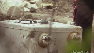 getlinkyoutube.com-Encuentran misteriosa caja en la que fue casa de Pablo Escobar