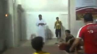 getlinkyoutube.com-واحد مصرى بيلعب مع سعوديين ويمنين هتموت من الضحك