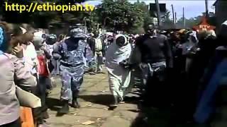 getlinkyoutube.com-Ethiopian Police Report - Cheating Begging Style - Amaizing Video [must watch]