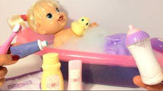 getlinkyoutube.com-ألعاب بنات بيبي بانيو استحمام و رضاعة بيبرونة سحرية  ! Baby Doll Bath time  video for Girls