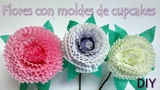 Como hacer una Flor con moldes de cupcakes - Baking cup flower Manualidades Para Todos