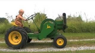 getlinkyoutube.com-Little Green Tractor