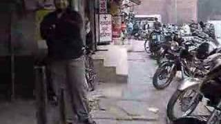 getlinkyoutube.com-Old Delhi - Finding an Internet Cafe