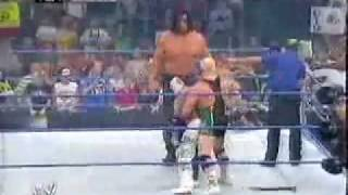 getlinkyoutube.com-Rey Mysterio vs  The Great Khali (Batista & Finlay Interference)