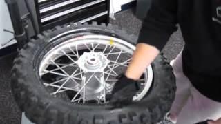 getlinkyoutube.com-No-Mar Tire Changer - How to change dirt bike tires