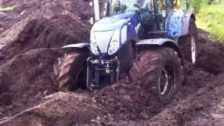 getlinkyoutube.com-new holland T7 270 get rid of the mud