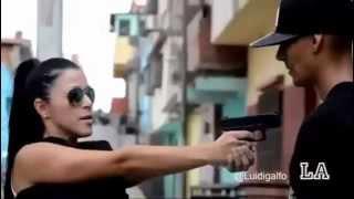 "getlinkyoutube.com-Jimena Araya deja escapar a cara e`muerto ""Somos Ladrones"""