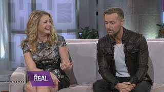 getlinkyoutube.com-Melissa & Joey Talk Sex Scenes & Pet Peeves