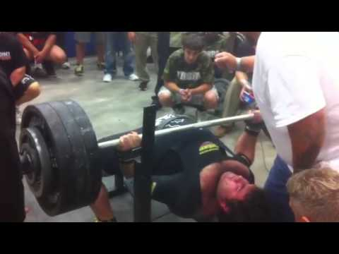 Matt Poursoltani 700 pound bench press