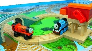 getlinkyoutube.com-Thomas & Friends Wooden Railway Grinding Gravel Battery Operated Set Rhineas & motorized Thomas
