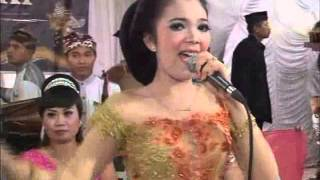 getlinkyoutube.com-Gerimis Mengundang - Terry ★ Ploso 2015