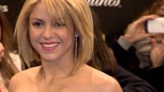 getlinkyoutube.com-Shakira, de culo durante un rodaje