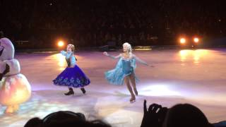 getlinkyoutube.com-Disney's Frozen On Ice - Anna & Elsa - Closing Ceremony