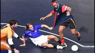 Ronaldinho ● Magic Futsal Skills