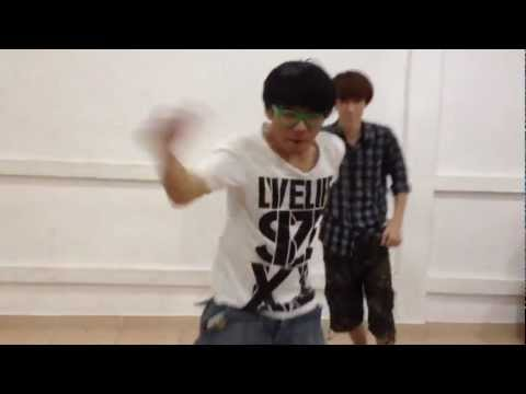"Samsung ATIV Smart PC - ""Create Your Smart Style"" with Millenium Boy cover EXO [Parody for funny]"