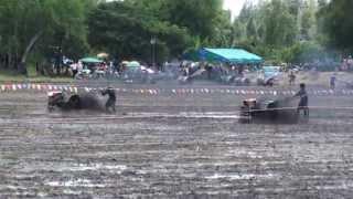 getlinkyoutube.com-M2U00147 แข่งรถไถ วัดมะเกลือ 26 พ ค 2556