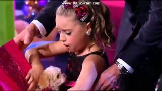 getlinkyoutube.com-Mackenzie Ziegler Gets A Puppy For Christmas! *jealousy* LOL