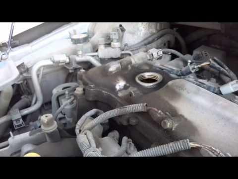 Как долить масло в двигатель?