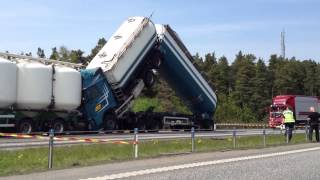 Skutki wypadku ciężarówki