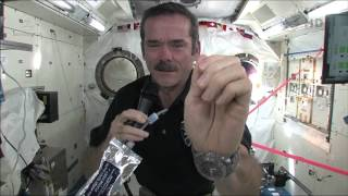 getlinkyoutube.com-How To Wash Your Hands In Space | Video