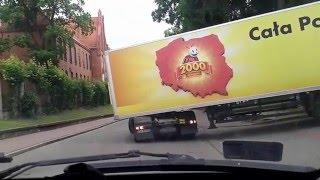Kierowca tira nie może wjechać do Biedronki