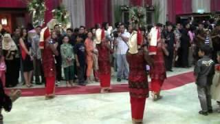 getlinkyoutube.com-Pernikahan Angga & Imel - welcome dance