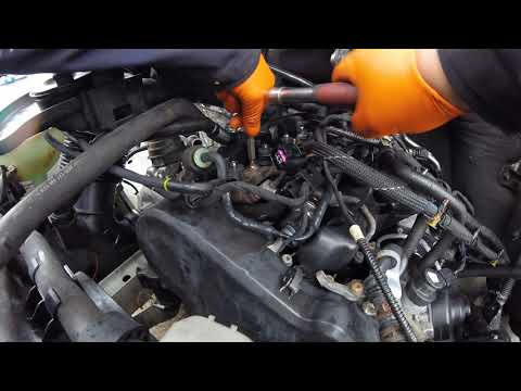 Как вытянуть инжектор Volkswagen Crafter 2 0/How to pull out an injector Volkswagen Crafter 2.0