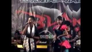 getlinkyoutube.com-Humko Hamise Churalo - New Garneta - live in siwalan pekalongan